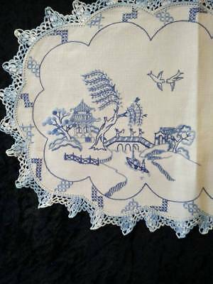 Gorgeous Blue Willow ~ Vintage hand embroidered Centrepiece/mat