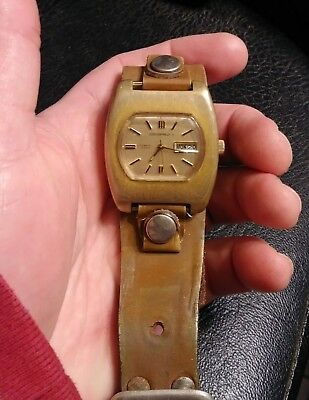 Vintage Large Retro Gents Swiss Wedgefield II Automatic Day Date Watch 17J