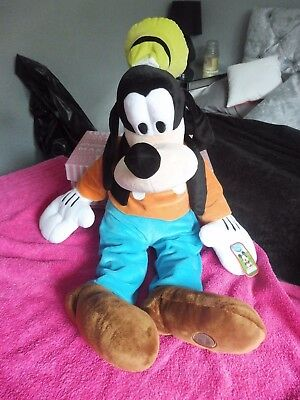 Disney soft toy plush collection 7 genuine items from disney store (job lot)