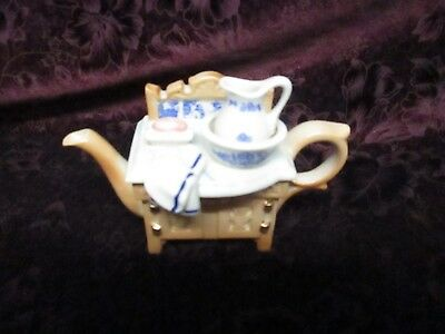cardew design made in england tea pot/washing table figurine/collectible art