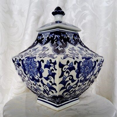 CHINESE Oriental Blue and White Large Square Jar Lidded Vase Antique Style Repro