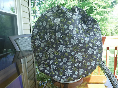 Bouffant surgical scrub hat, cap, medical, gray, white, flowers