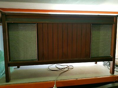 Kriesler Retro Vintage TV/ Record player cabinet