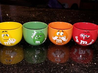 M&M'S Set of 4 BOWLs GIFT SET WITH 4 TUBES OF CANDY NEW