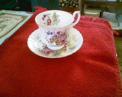 Royal Albert Bone China Tea Cup Saucer Unnamed Design Basket of Flowers