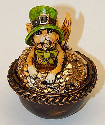 Harmony Kingdom Artst Neil Eyre Designs Shamrock Cat Kitten Pot O Gold LE 50 Box