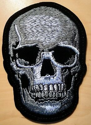 Totenkopf Aufbügler / Aufnäher skull iron-on patch Biker Applikation Kutte Punk
