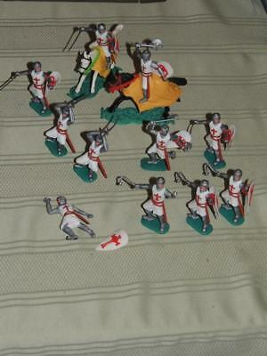 Lot of 11 Vintage Timpo Plastic Crusaders Toy Soldiers includes two mounted