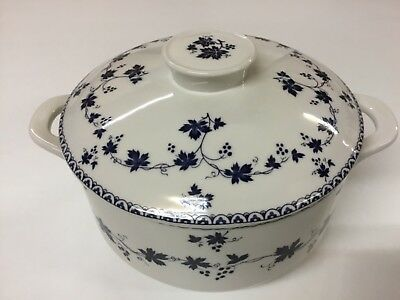 """Royal Doulton """"YORKTOWN"""" Round Casserole Dish with Lid (T.C.1013)"""
