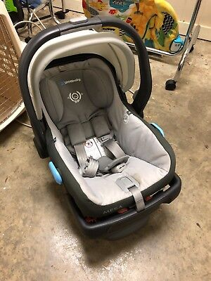UPPAbaby MESA Infant Car Seat plus base. Good used condition $ 400 PASCAL GRAY