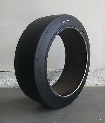 21x7x15 Forklift Tire Cushion Press-On Smooth Black 21715