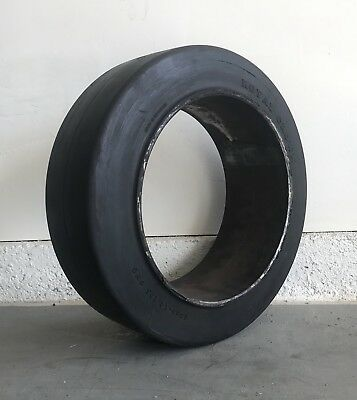 18x6x12-1/8 Forklift Tire Cushion Press-On Smooth Black 18x6x12.125 1861218