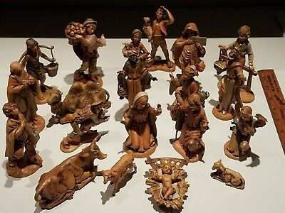 Vintage Lot of 20 Nativity Figures Fontanini Depose Italy most dated 1987