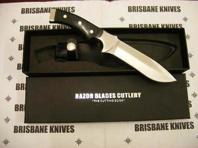 Razor Blades Black Stag Hunting Skinning Knife. Bowie