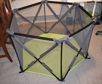Summer Infant Pop Up Play Pen - Great condition