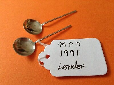 Pair of Vintage Solid Silver Salt Spoons Hallmarked For London 1991