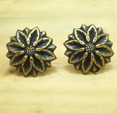 Lot of 2 pcs Vintage Solid Brass crochet Daisy Flower Cabinet Knob Pulls Handle