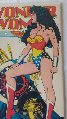Wonder Woman Comic book lot Includes March 1993 No. 72 with Iconic Bolland cover
