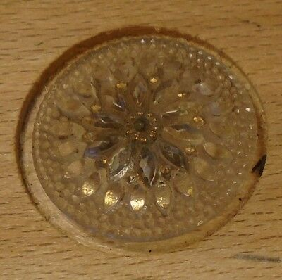 "NICE 15/16"" Lacy Flower Glass Antique Button 678:1"