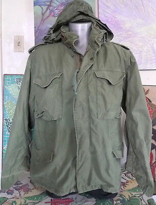 Vintage US ARMY Cold Weather Hooded Field Coat Jacket Scovill Zipper Med Short
