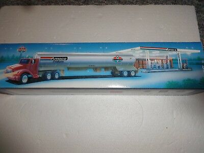 Amoco Special Limited Edition Toy Tanker 1st of a series 1994  NIB