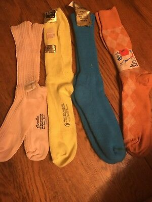 4 Pair Of Vintage Womens Socks 9-11 and 10-13 (Heavy Bulk Orlon 1pair)