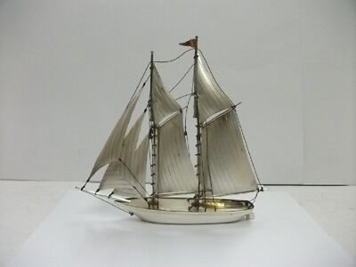 The sailboat of STERLING SILVER of Japan. #202g/ 7.11oz. Japanese antique