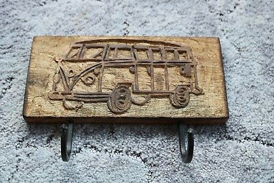 Handcrafted-wooden-ornaments-pictures-and-pictures-with-2-hooks