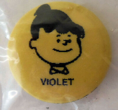 United Feature Syndicate Peanuts Lapel Pin button Violet