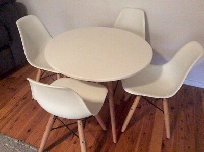 Eames Replica Children's Table 4 Chairs Kids White Great Condition Pickup Only