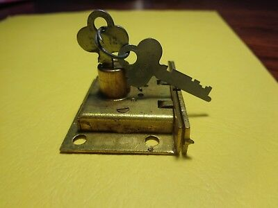 Antique Vintage solid brass Yale wooden tool box Latch / cabinet drawer lock