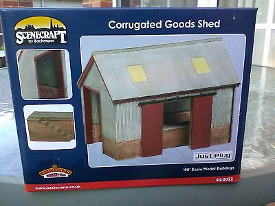 Bachmann Scenecraft Corrugated Goods Shed ref 44-0022