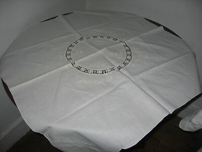 """VTGE.TABLECLOTH CROCHET LACE INSERT WHITEWORK EMBROIDERED FLOWERS    33"""" x 33"""""""