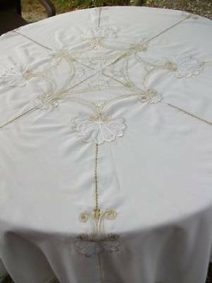 """Beautiful Vintage White Silk & Gold Mettallic Signed """" Laura Mars """" Table Cover"""