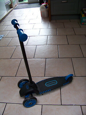 Little Tikes - 3 wheels scooter / stap - 2+ (item no. 638152)