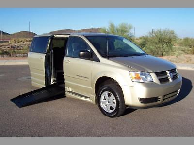 2010 Dodge Grand Caravan SE Handicap Wheelchair Mobility Van 2010 Dodge Grand Caravan SE Wheelchair Handicap Mobility Braun Entervan Van