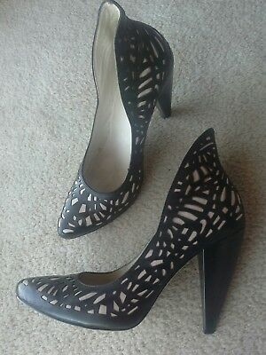 *Stunning* WITTNER Womens HEELS Shoes LEATHER Ivory BLACK Cut-outs Party 38 7.5