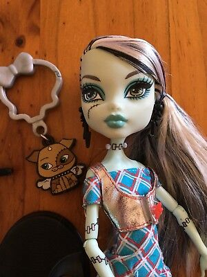 Monster High Frankie Stein Classrooms Doll