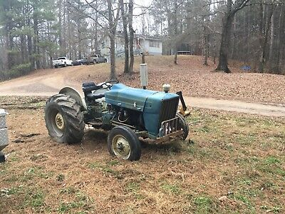 1968 Ford F-3000 Tractor
