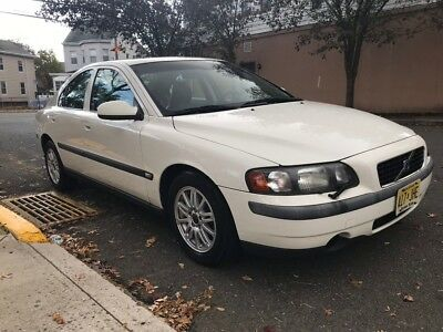 2003 Volvo S60  Volvo S60 ~ great condition! ~ great on gas!