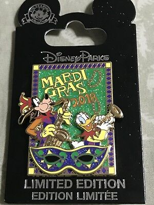Disney Parks 2018 Mardi Gras limited edition 3000 pin Goofy and Donald NWT
