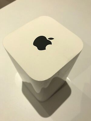 Apple AirPort Extreme 1331 Mbps Wireless AC Router (A1521) Hardly Used