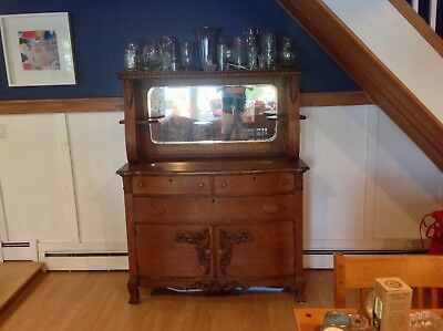 Antique Oak Sideboard. Great Condition