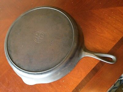 Vintage Griswold # 12 Cast Iron Skillet 719 D Small Block Logo Heat Ring Erie