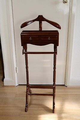 Timber Gentlemen's Clothing Valet Clothes Stand