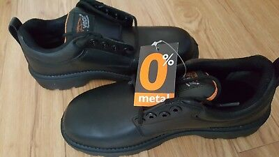 Light Year -Gibson- metal free safety shoes -U.K.size 8 EU 42  black. new in box
