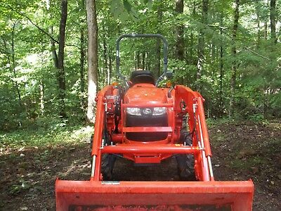 2013 Kubota L3800 Tractor, Loader and Backhoe 350 Hours on this unit one owner
