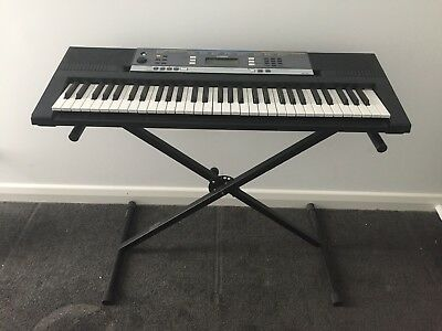 Yamaha YPT-240 61-Key Portable Keyboard With 504 Voices