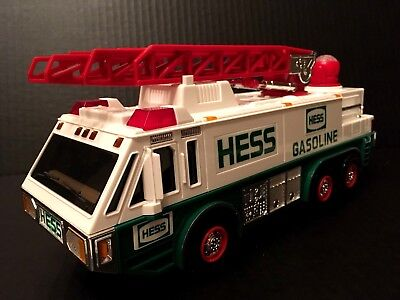 1996 HESS TOY EMERGENCY TRUCK New Box EMS Packing Ladder