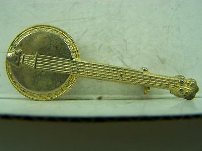 Country Bluegrass Folk Music banjo pin back badge                       1153